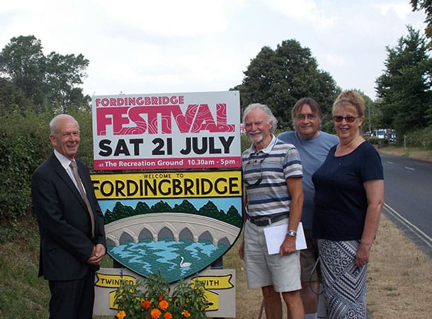 Newly Refurbished Welcome to Fordingbridge Signs